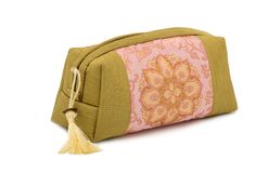 Beautiful cosmetic bag in the oriental style Royalty Free Stock Photos