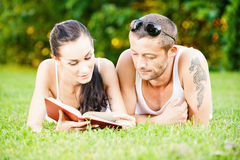 Beautiful couplereads book Stock Photography