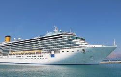 Beautiful cruise ship and blue sea Royalty Free Stock Photos