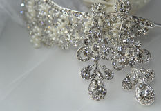 Earrings and tiara for bride Royalty Free Stock Photos