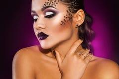 Beautiful elegance woman looking away in studio Royalty Free Stock Images