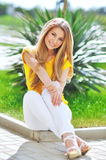 Beautiful fashionable young woman. Royalty Free Stock Photos