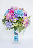 Beautiful flower arrangement in glass vase Royalty Free Stock Photos