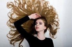beautiful flying girl hair Στοκ φωτογραφίες με δικαίωμα ελεύθερης χρήσης