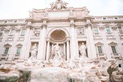 Beautiful Fountain de Trevi en Roma, Italia - el área más popular de Roma fotografía de archivo