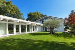 Beautiful garden of a moden house Stock Photos