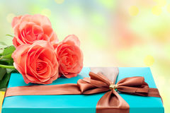 Beautiful gift box and roses Royalty Free Stock Photography