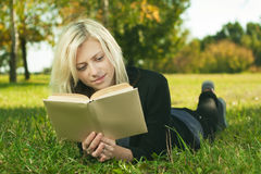 Free Beautiful Girl Reading In Park Stock Photos - 21735653