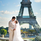 Beautiful just married couple in Paris Royalty Free Stock Images