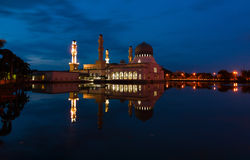 Beautiful Kota Kinabalu city mosque at dawn in Sabah, MalaysiaKota Kinabalu city mosque at dawn in Sabah, Malaysia Royalty Free Stock Photo