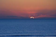 Beautiful minimal seascape of stunning sunset Royalty Free Stock Photos