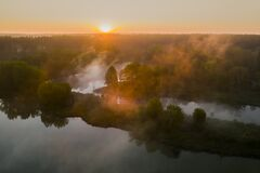 Free Beautiful Misty Dawn In The Spring On The River. Royalty Free Stock Photo - 184036735