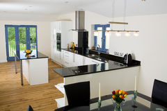 Beautiful modern kitchen Royalty Free Stock Photos