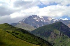 beautiful mountain scenery 雪峰顶 免版税库存照片