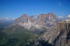 Beautiful mountain scenery with distinctive sassolungo mountains Royalty Free Stock Photography