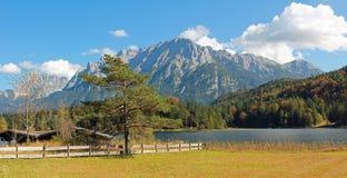 Beautiful mountain scenery, lake lautersee and karwendel Royalty Free Stock Photos
