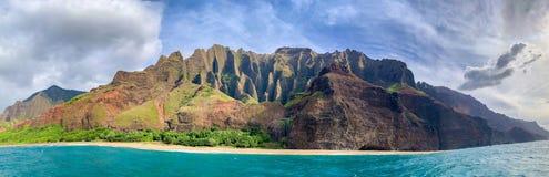 Free Beautiful Na Pali Coast, Kauai, Hawaii View From Off Shore Sea Sunset Boat Cruise Tour. Nature Coastline Landscape In USA. Hawaii Stock Photography - 187343212
