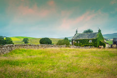 Beautiful, old English cottage with stone walls, Yorkshire Royalty Free Stock Photography