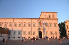 Beautiful Piazza del Quirinale en luz de la puesta del sol en Roma, Italia imágenes de archivo libres de regalías