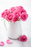 Beautiful pink roses bouquet in vase Royalty Free Stock Images