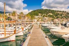 Beautiful Port de Soller en Mallorca fotografía de archivo