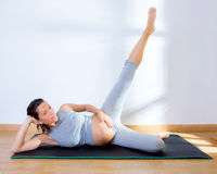Beautiful pregnant woman gym fitness exercise Stock Photography