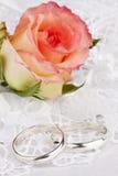 Beautiful rose and wedding rings Royalty Free Stock Image