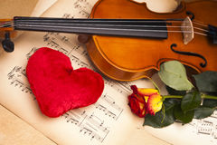Beautiful roses and violin! Stock Photography
