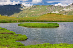 Beautiful scenery landscape with mountain lake Royalty Free Stock Photos
