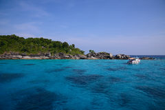 Beautiful sea and tropical island with crystal clear water Stock Photography