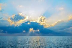 Beautiful sky and sunray over sea Royalty Free Stock Photography
