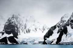 Beautiful snow-capped mountains Royalty Free Stock Photos