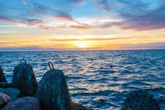 Beautiful Sonnenuntergang in Ostsee Lizenzfreie Stockfotos