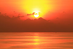 Beautiful Sun Set In The Middle Of The Ocean Stock Images