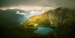 A beautiful, sunny mountain lake in Carpathians Royalty Free Stock Photography