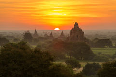 Beautiful sunrise over the ancient pagodas in Bagan Royalty Free Stock Photos