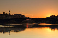 Beautiful sunrise over Arno river in old town of Florence Royalty Free Stock Photos