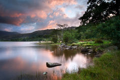 Beautiful sunrise over Llyn Gwynant in Snowdonia Stock Photos