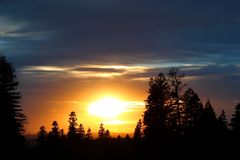 Free Beautiful Sunrise / Sunset Landscape In The Mountains / Forest - USA Royalty Free Stock Image - 141985706