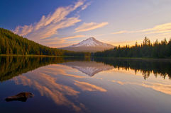 Beautiful sunrise in trillium lake Royalty Free Stock Images
