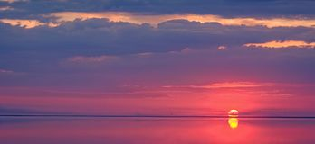 Beautiful sunset above the sea Stock Photography