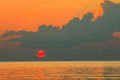 Beautiful sunset above the sea Royalty Free Stock Photos