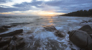 Beautiful sunset and sea waves Royalty Free Stock Photos
