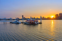 Beautiful sunset in Taipei by the river Royalty Free Stock Photos