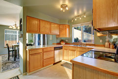 Beautiful traditional kitchen with hardwood floor. Royalty Free Stock Photos