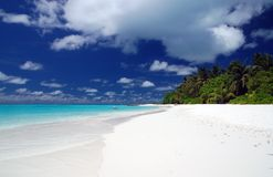 Beautiful tropical beach. With white sand and turquoise ocean Royalty Free Stock Photos