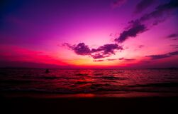 Free Beautiful Tropical Beach. Sunrises And Sunsets. Ocean. Royalty Free Stock Image - 171547806