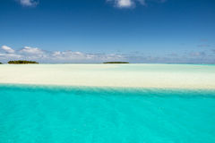 Turquoise water, sandbar, small beautiful island, south Pacific Island Aitutaki Royalty Free Stock Photography