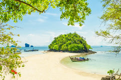 Beautiful tropical sand beach Royalty Free Stock Photography