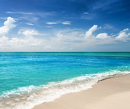Beautiful tropical sea and blue sky Stock Photography